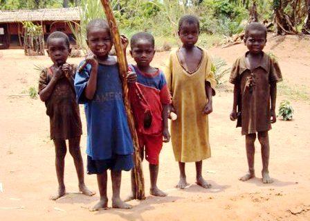 Top Ancora una sfida per l'Africa, i bambini fantasma - Futuro Europa WK47