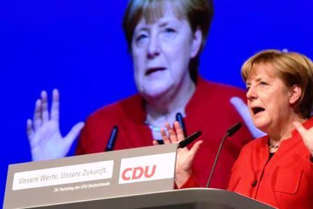 Germania: Merkel rieletta alla guida della CDU,